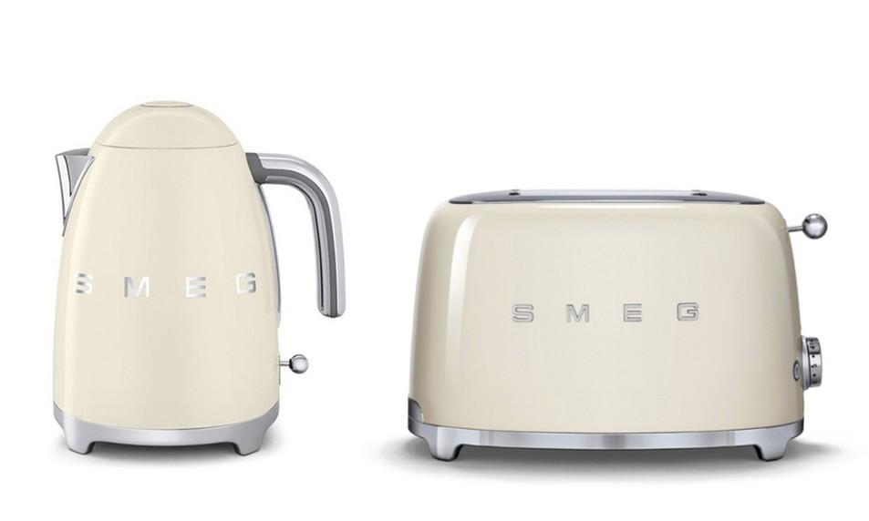 Ensemble smeg bouilloire klf01 toaster tsf01 cr me - Bouilloire et grille pain ...